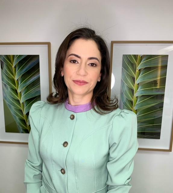 Dra. Julia Santos Cargnin – CREMEGO 23.738/ RQE 12.536